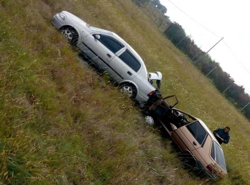Accidente auto a remolque