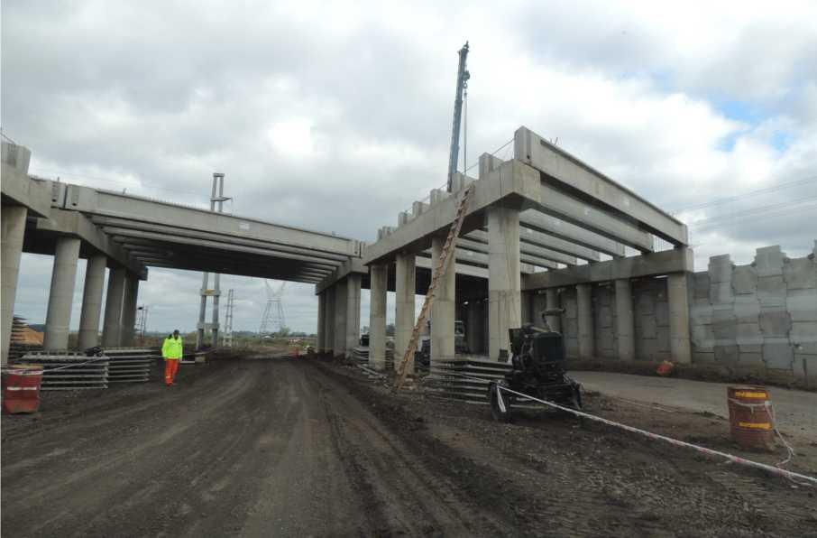 Puente en autovia 18