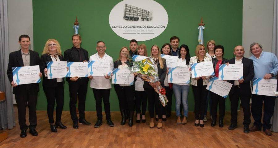 Premios a maestros