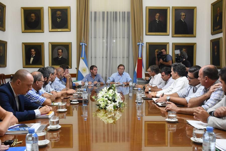 Gobierno con mesa de enlace
