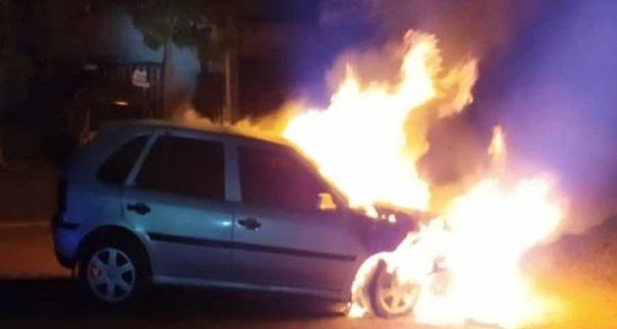 auto incendiado